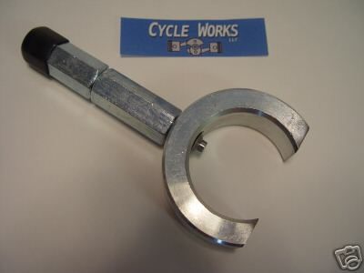 EXHAUST NUT WRENCH, CLAMP-ON - R26 THRU R60/2 & EARLIER